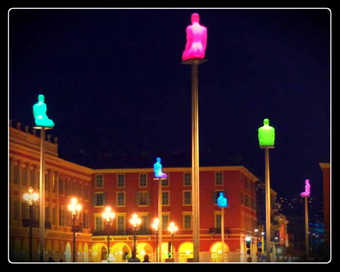 conversations in Nice france, place massena, jaume plensa