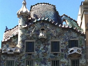 gaudi architecture tells a story in barcelona the curious rambler