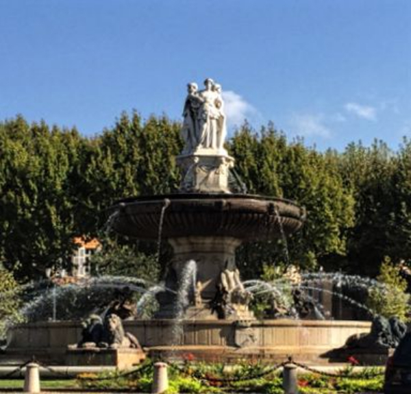 rotunda fountain, aix en provence